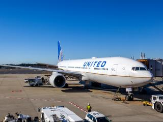 """""""We are not going to put a law enforcement official onto a plane to take them off ... to remove a booked, paid, seated passenger; we can't do that,"""" Oscar Munoz tells """"Good Morning America."""" (Deseret Photo)"""