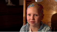 IMAGE: 7-year-old girl permanently loses all her hair after her body aggressively reacts to the flu (and her response is dazzling)
