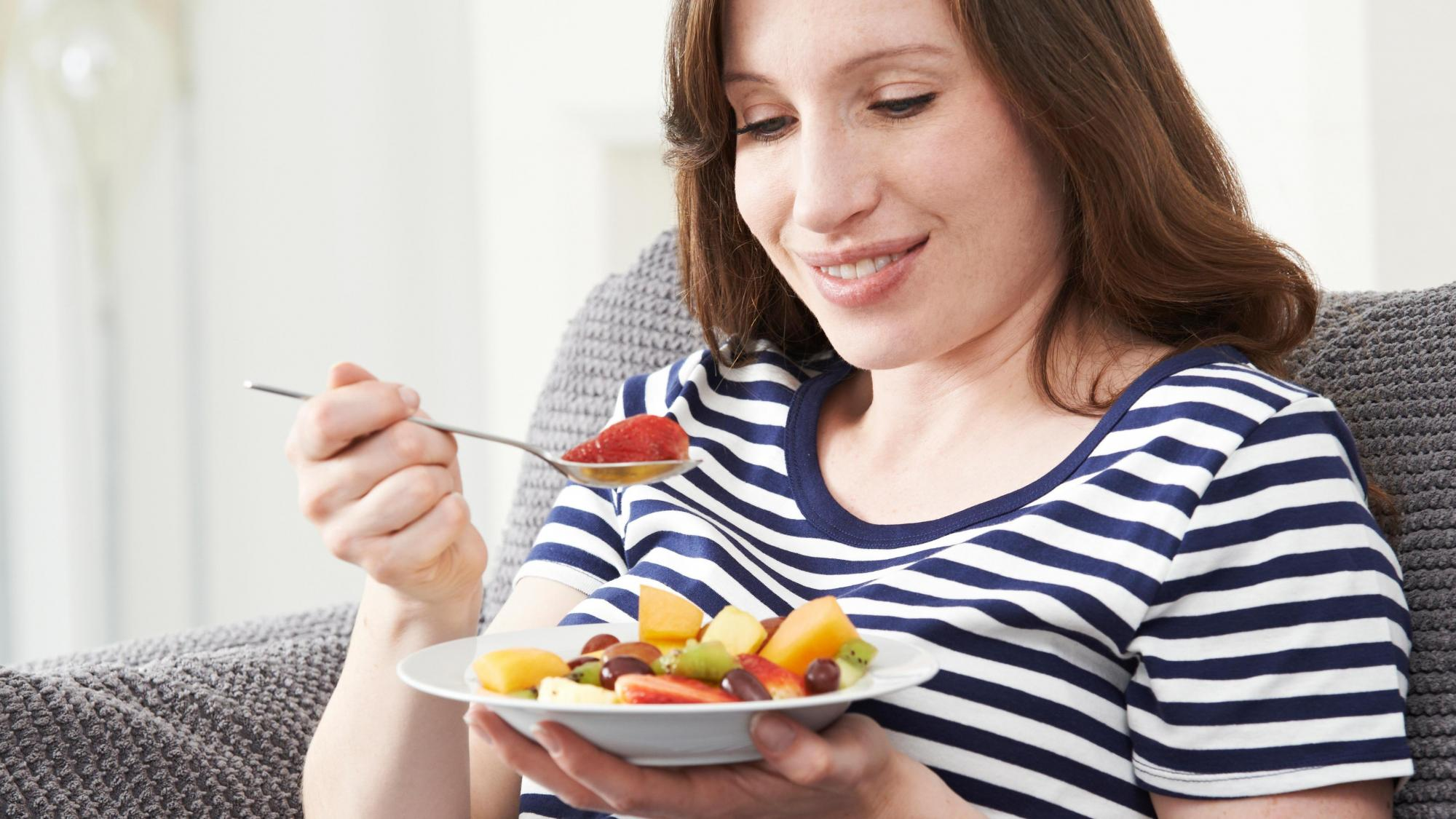 6 Foods You Should Never Eat While Pregnant And 6 You