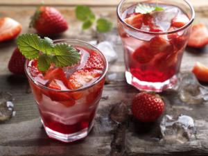 The quintessential drink of summer gets spruced up with easy add-ins and fun fresh ingredients. Play with your lemonade and get creative this season. (Deseret Photo)