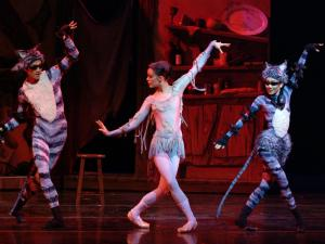 Carolina Ballet performs The Ugly Duckling
