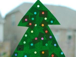Crafty Mom: Christmas tree lights Courtesy: http://www.inlieuofpreschool.com/