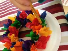 Making a 3D rainbow wreath