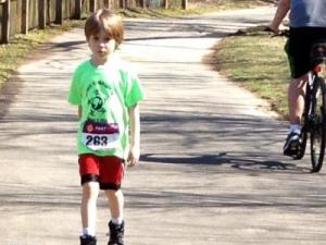 Julia Sims' son participates in his first 5K