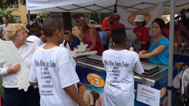 WRAL's Renee Chou scoops up ice cream for a good cause.