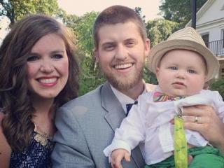 Skylar Anderson of StudyRight with his family.