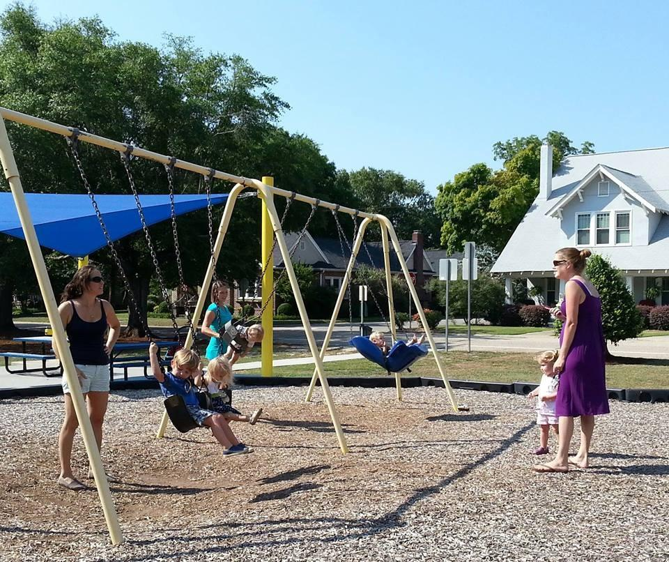 Fayette-Mom: Group helps moms find each other in Haymount