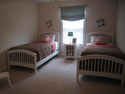 Clean children's bedroom