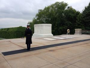 A solemn moment at the Tomb of the Unknown Soldier