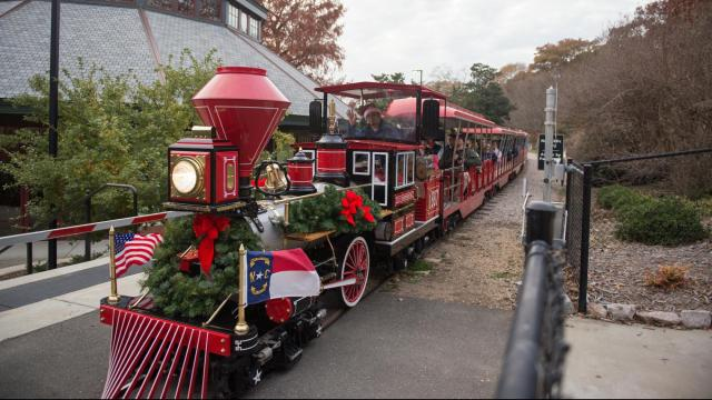 Pullen Park Christmas 2019.Check Out Scenes From Pullen Park S Holiday Express Wral Com