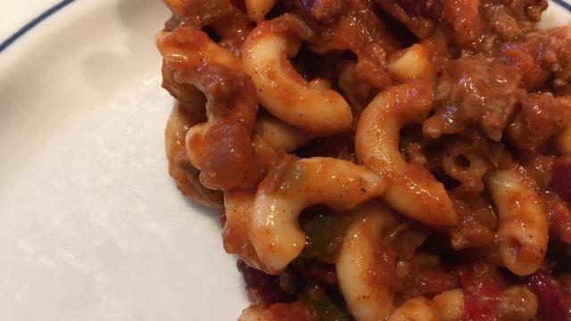 One-pot chili mac