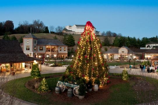 Biltmore Christmas.Christmas At Biltmore 5 Family Friendly Activities During