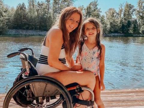 Rachelle Chapman with her daughter