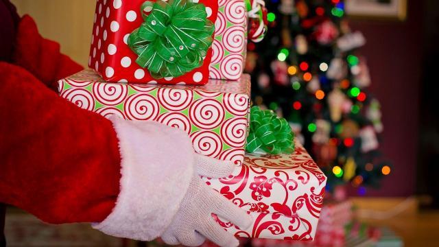 Santa Claus, gifts