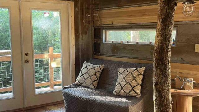 Eli's tree house on Airbnb