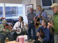 Doctor gives hospital patients the gift of music