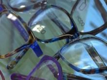 Despite technology advances, glasses remain most popular vision-correction option