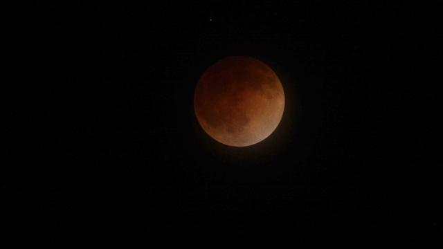 The total lunar eclipse blood moon of April 2014.