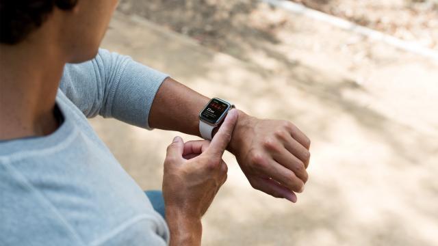 Dr. Sanjay Gupta tests the Apple Watch's new ECG heart monitor