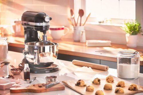 Amazon Prime Deals: What To Know About Stand Mixers (Simplemost Photo)