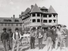 Zinzendorf Hotel burned in Thanksgiving day fire