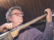tht banjo maker