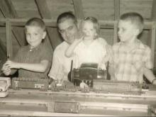 Warren County man rediscovers love of childhood trains