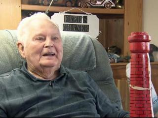 89-year-old builds lighthouse replicas from his recliner