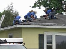 Women roofers repair homes for free