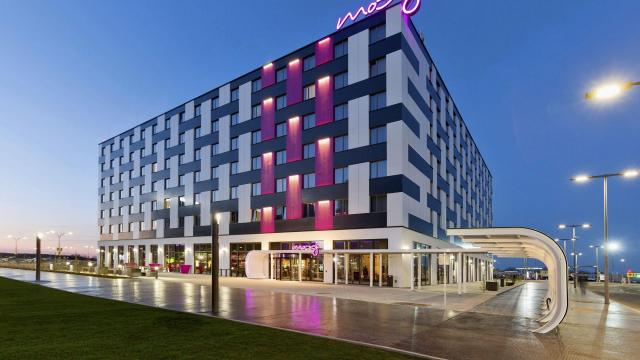 A photo provided by Moxy Hotels shows the Moxy Vienna, located just outside Vienna International Airport. The hotel is one of a new breed of airport hotels using modern design and luxury amenities to be more than just places to sleep. (Moxy Hotels via The New York Times) -- NO SALES; FOR EDITORIAL USE ONLY WITH NYT STORY AIRPORT HOTELS ADV02 BY SHIVANI VORA FOR NOV. 27, 2018. ALL OTHER USE PROHIBITED. --