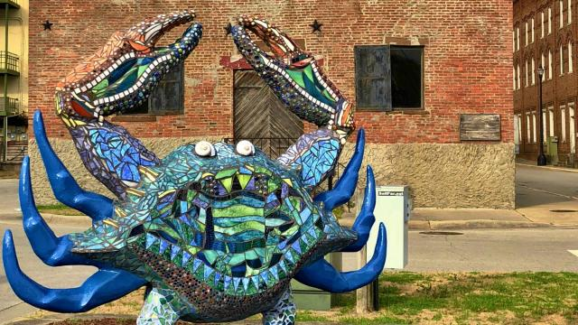 Mosaic crab statues can be found throughout downtown Washington, N.C. (Photo Courtesy of Washington Tourism Development Authority)