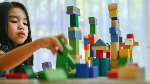 Montessori teachings work best when they are implemented both in school and in the home. (casezy/Big Stock Photo)