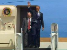 Obama lands at RDU