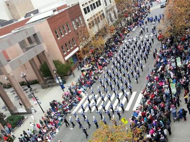 2013 WRAL-TV Raleigh Christmas Parade :: WRAL.com
