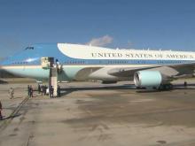 Obama arrives at RDU
