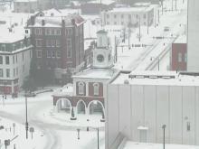 Snow spreads across downtown Fayetteville