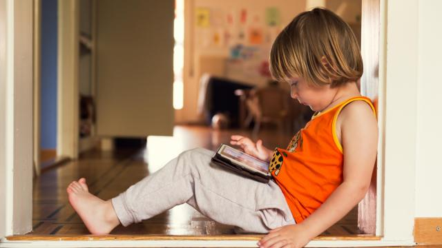 The American Academy of Pediatrics released its updated recommendations on how much screen time children should get, while cautioning continued risks. (Deseret Photo)