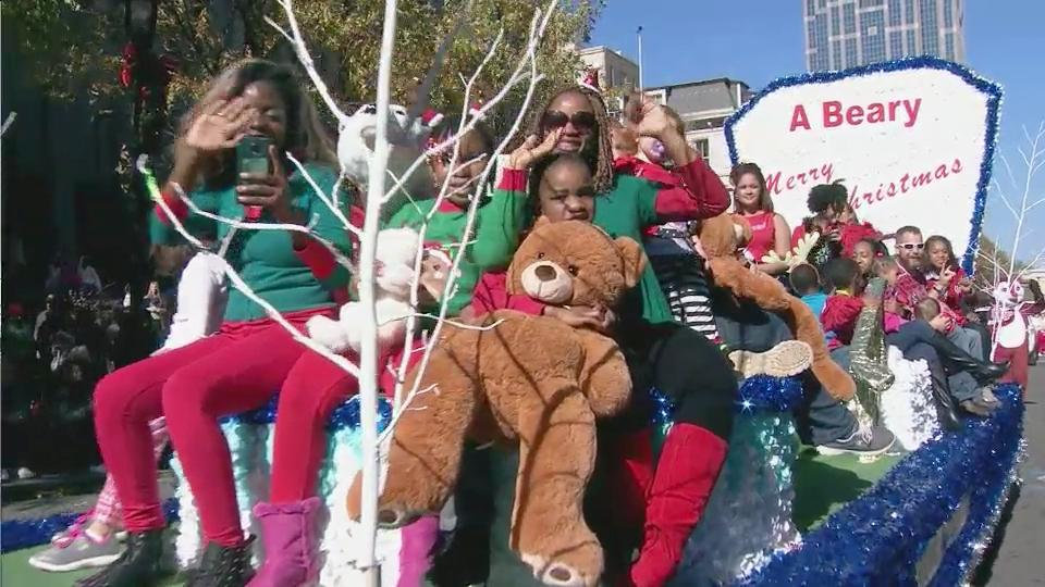 2016 raleigh christmas parade presented by shop local raleigh wralcom