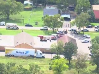Officials say 8 wounded in Tennessee church shooting