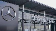 IMAGE: Mercedes-Benz Just Unveiled A Huge, High-tech New Car Dashboard Called 'Hyperscreen'