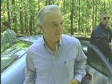 Governor Hunt arrives with members of his disaster recovery team at Umstead State Park.
