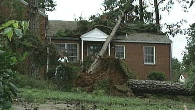 Scenes like this were a dime a dozen after Hurricane Fran.