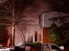 An early morning fire hit this Cary apartment complex.(WRAL-TV5 News)