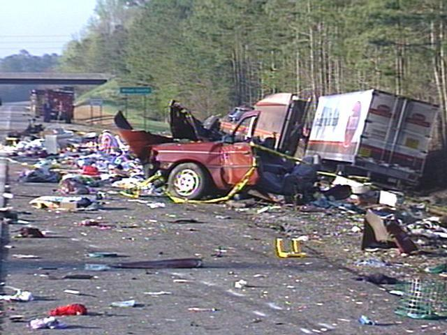 Three Die When TractorTrailer Hits UHaul Car On Interstate 60 Interesting Uhaul Rental Quote