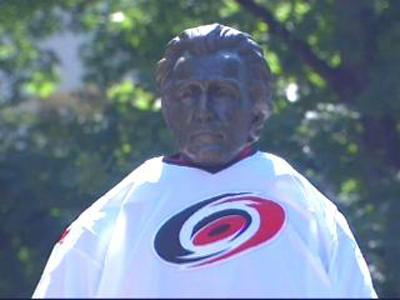 Canes Statue