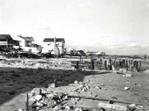 October 1954: Carolina Beach, N.C. <br /><b>Rubble at the oceanfront</b> <br />Photo courtesy: Hugh Morton