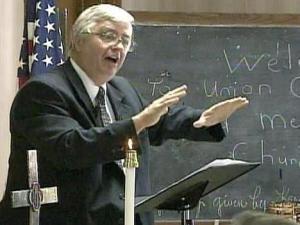 Pastor Robert Hammond