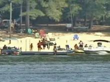 Low Water Keeps Labor Day Boaters On Shore