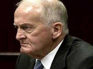 Former lobbyist Don Beason testifies in assault with a firearm case on Oct. 30, 2007.