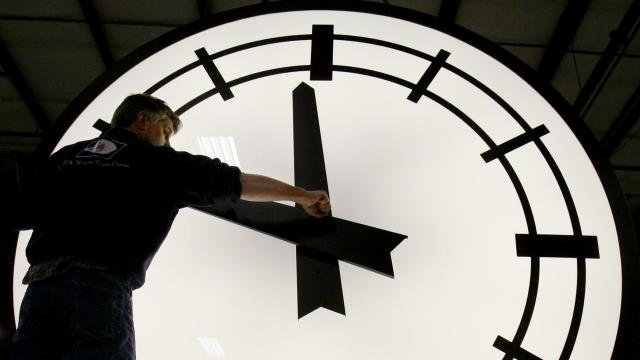 Daylight saving time begins Sunday morning March 11, 2007, three weeks earlier than it has for the past two decades due to a 2005 law taking effect this year. (AP Photo/Stephan Savoia)